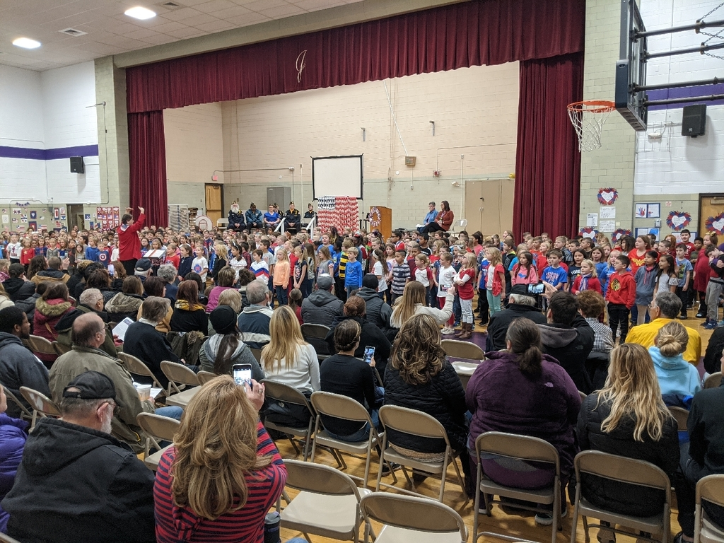 Jefferson students salute veterans